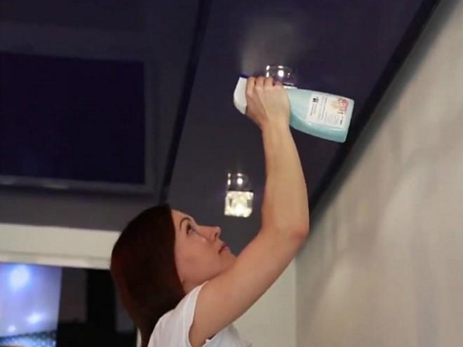 Cum să spălați plafoanele întinse la domiciliu
