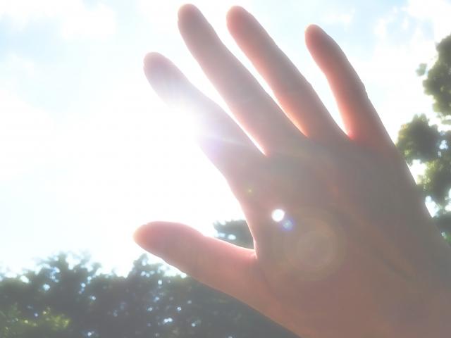日光過敏(症)の症状が現れそうな陽射し