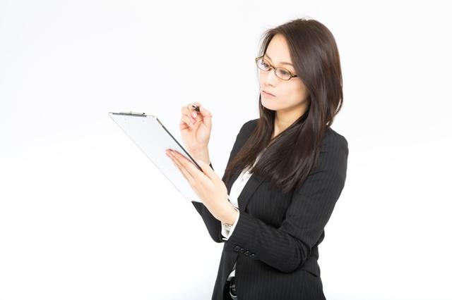 住宅扶助(家賃)の特別基準(額)のやむを得ない事情をチェックするケースワーカー