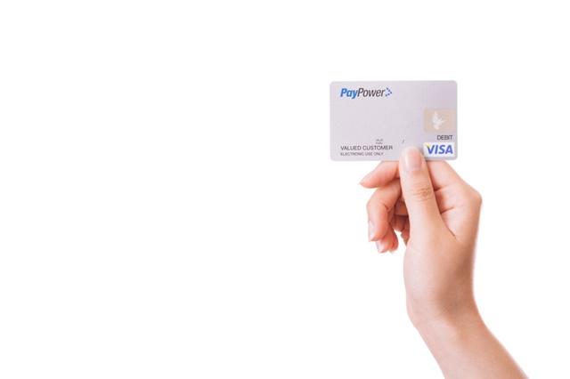 クレジットカードを使う生活保護受給者