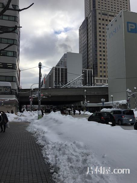 除雪追いつかず