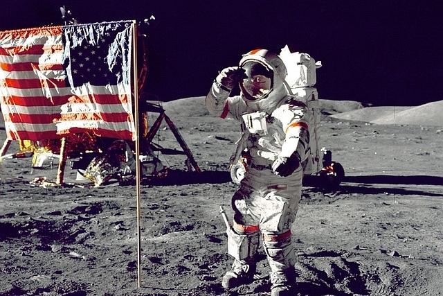 månen astronaut