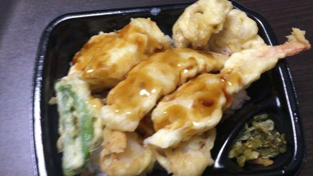 海鮮天丼をおいしく食べるには付属のたれは必須