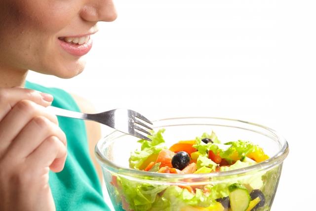 亜麻仁油の賞味期限とサラダ