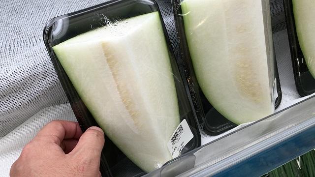 スーパーで売っている冬瓜の状態