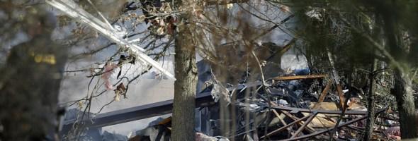 04.10.16 — США, в Нью-Джерси произошел взрыв предположительно вызванный утечкой газа