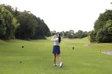 ゴルフ 服装 女性