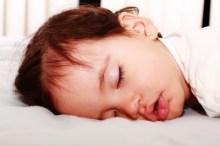 赤ちゃん 寝相 悪い
