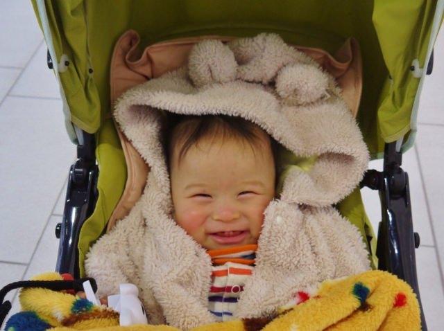 赤ちゃん 春 散歩