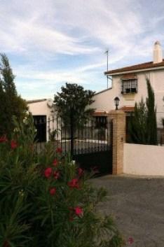 image of the entrance to Cortijo Las Viñas