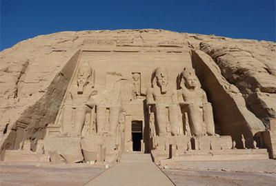 歴史をたどると4000年前のエジプトに至ります