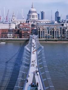 Millennium Bridge, Londres, Reino Unido Norman Foster