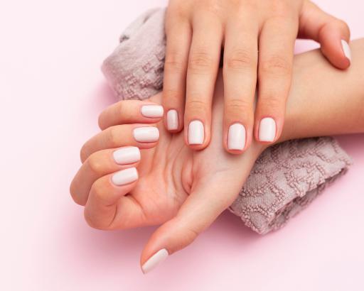 Ejemplos de uñas Acrílicas Blancas