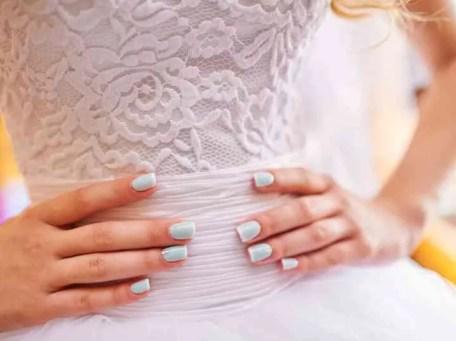 Uñas sencillas para bodas y ocaciones