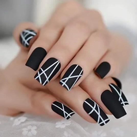 decoración de uñas acrílicas cortas
