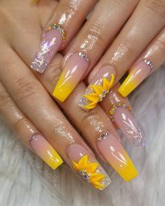 estilos y diseños de uñas Acrilicas