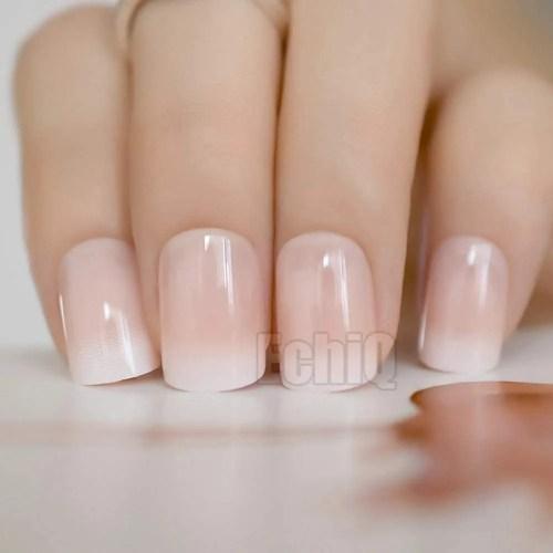 uñas de color beige pintadas y decoradas, diseños de uñas beige