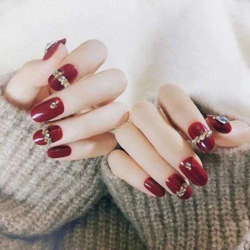 Juego de 24 uñas postizas con diseño de diamantes artificiales, color rojo vino