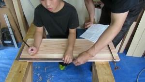 10歳の息子と棚を作る5 (14)