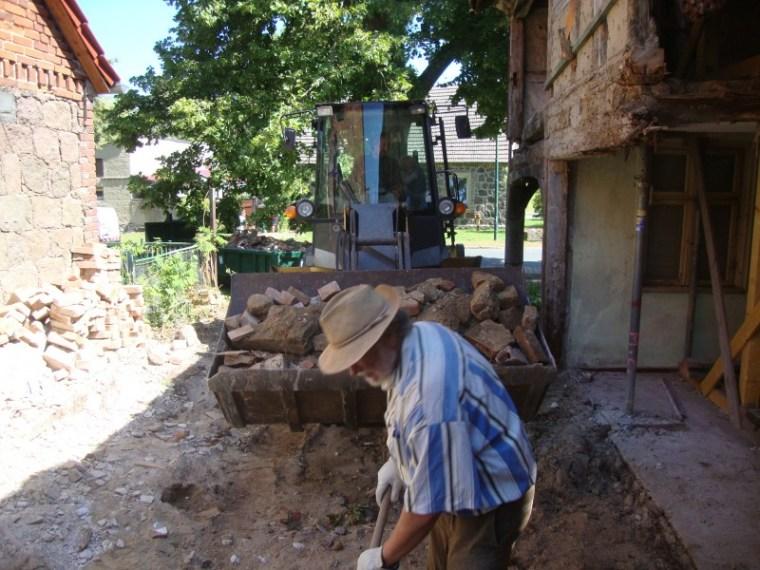 August 2015 Baufreiheit schaffen im Vorlaubenhaus