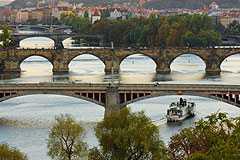 praha-hist_bridge