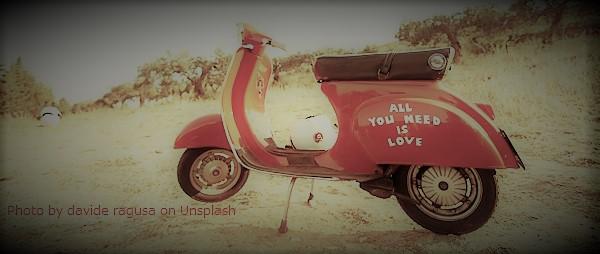 バイクの自賠責保険の変更手続き(乗り換え、譲渡、転居、結婚)