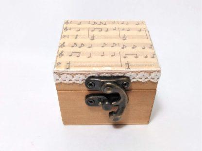 Caja-cuadrada-partitura-pequeña