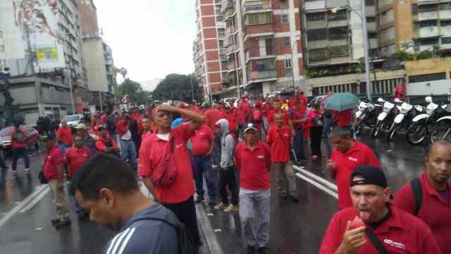 """Trabajadores de Gas Comunal Miranda protestaron en rechazo a presunta """"liquidación"""" de la empresa"""