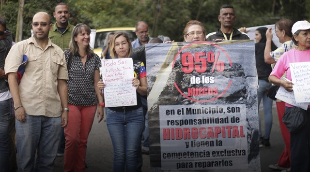 Vecinos y concejales sanantoñeros protestaron exigiendo a Hidrocapital «ponerse las pilas»