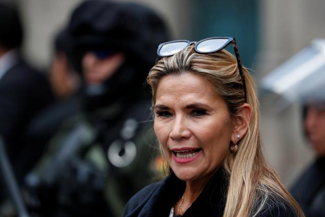 Jeanine Áñez agradece a Juan Guaidó y le invita a designar nuevo embajador