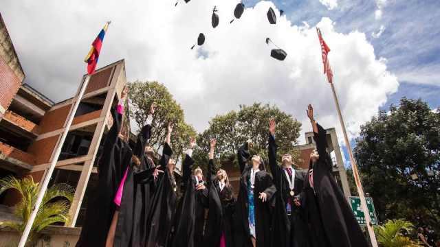 Sin apostillar: Unesco busca el reconocimiento de diplomas en un acuerdo mundial