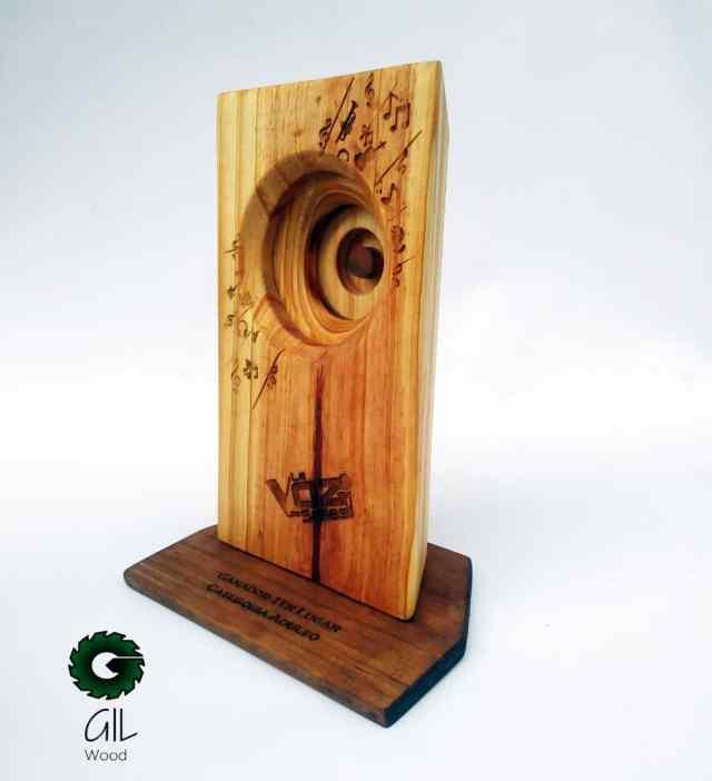 Gil Woods plasmó innovación y creatividad en los trofeos para La Voz de Los Salias