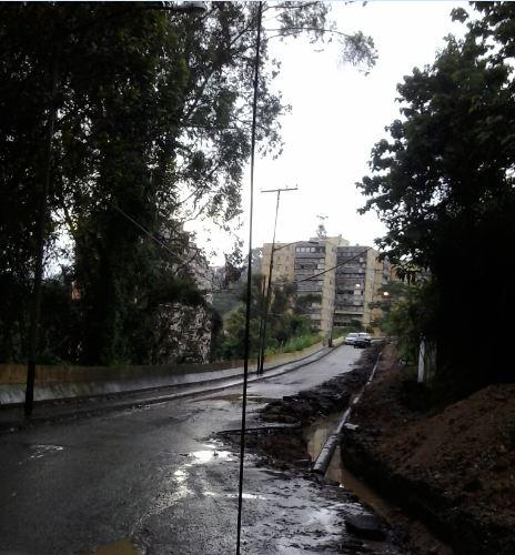 Intransitable avenida El Lago de Colinas de Carrizal