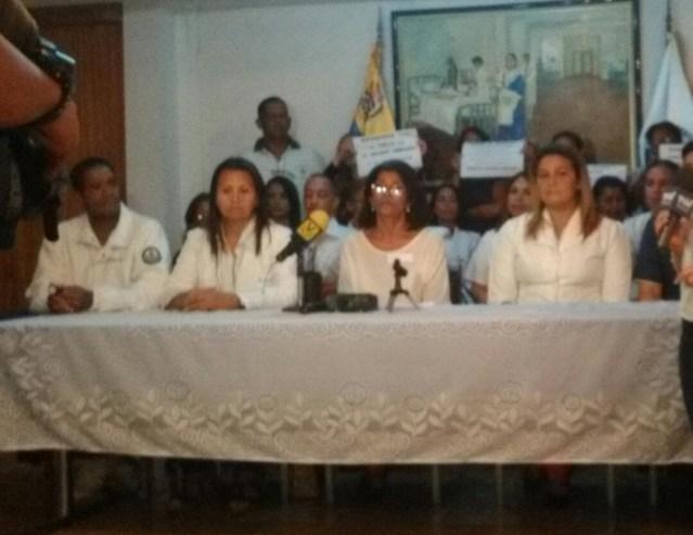 Gremio de enfermeras rechaza el pírrico aumento salarial decretado por el usurpador Maduro