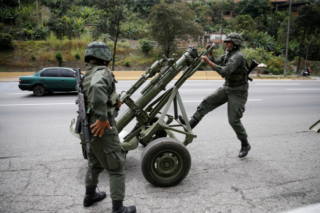 Maduro anunció que los ejercicios de sus fuerzas militares se mantendrán activos permanentemente