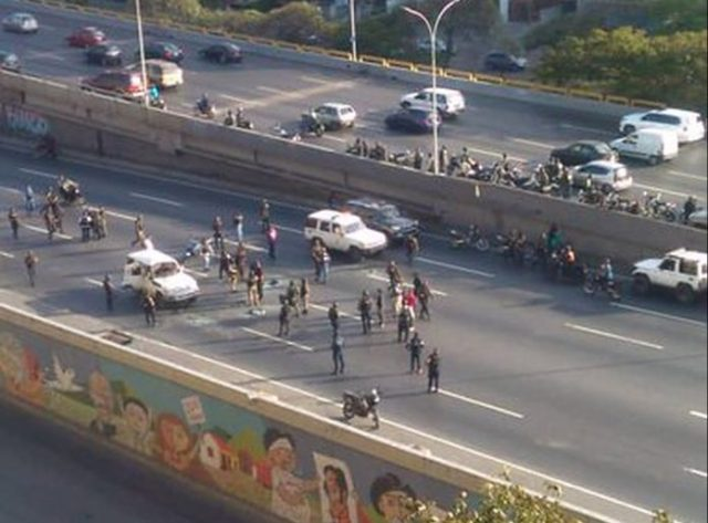 Un grupo de delincuentes se enfrentó con cuerpos de seguridad cerca de El Recreo