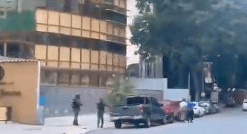 Fuerzas del régimen de Maduro siguen en la sede de DirecTV en Caracas #23May