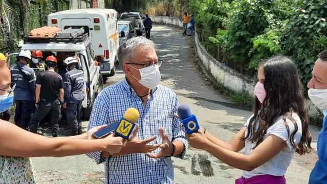 Fernández anuncia que redoblará restricción vehicular ante aumento de casos en municipios vecinos
