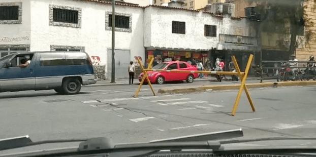Restringido el paso vehicular en el centro de Caracas tras nueva radicalización de la cuarentena