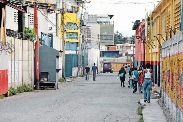 """Vecinos de Brisas de Oriente piden a la policía desarticular banda que lidera el """"Negro Mayo"""""""