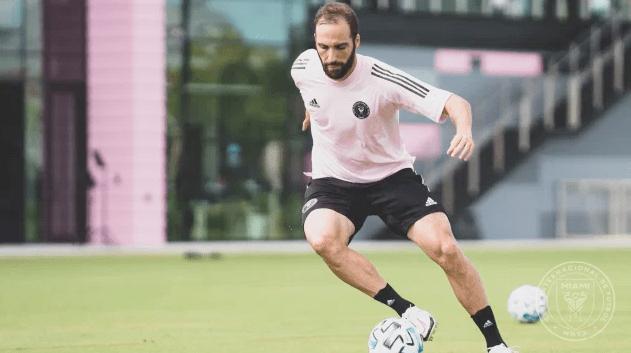 "Gonzalo ""El Pipita"" Higuaín fichó por el Inter de Miami de Beckham"