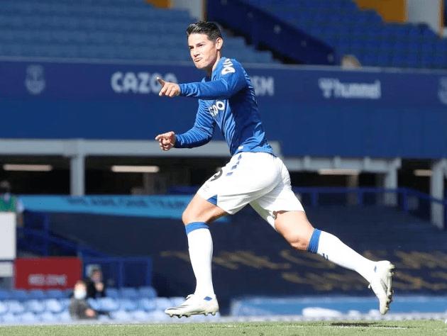 James Rodríguez se estrenó en el Everton con este GOLAZO