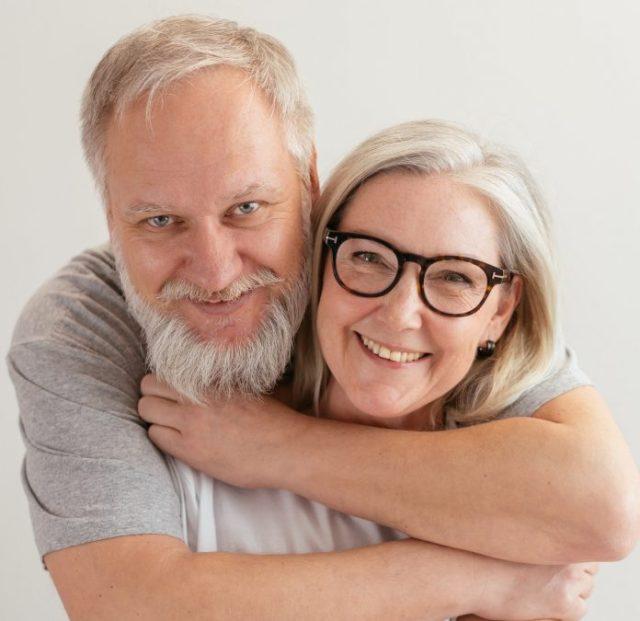 Las personas que mantienen relaciones sexuales a edades avanzadas son más sanas y felices