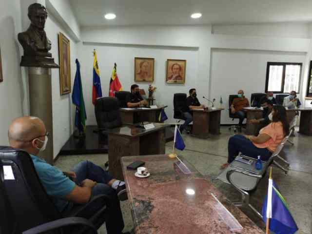 Aprueban recursos para ajustar los bonos de trabajadores municipales de Los Salias