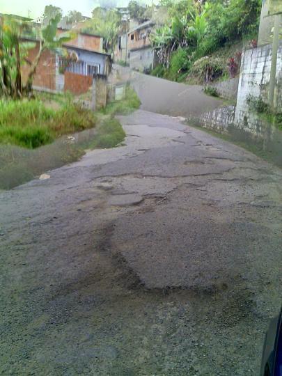 """Vía que conduce al Colegio Madre Juliana en Los Teques está """"destruida"""""""