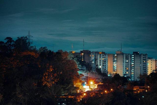 40 horas sin luz contabilizan residentes de Los Altos en San Antonio de los Altos