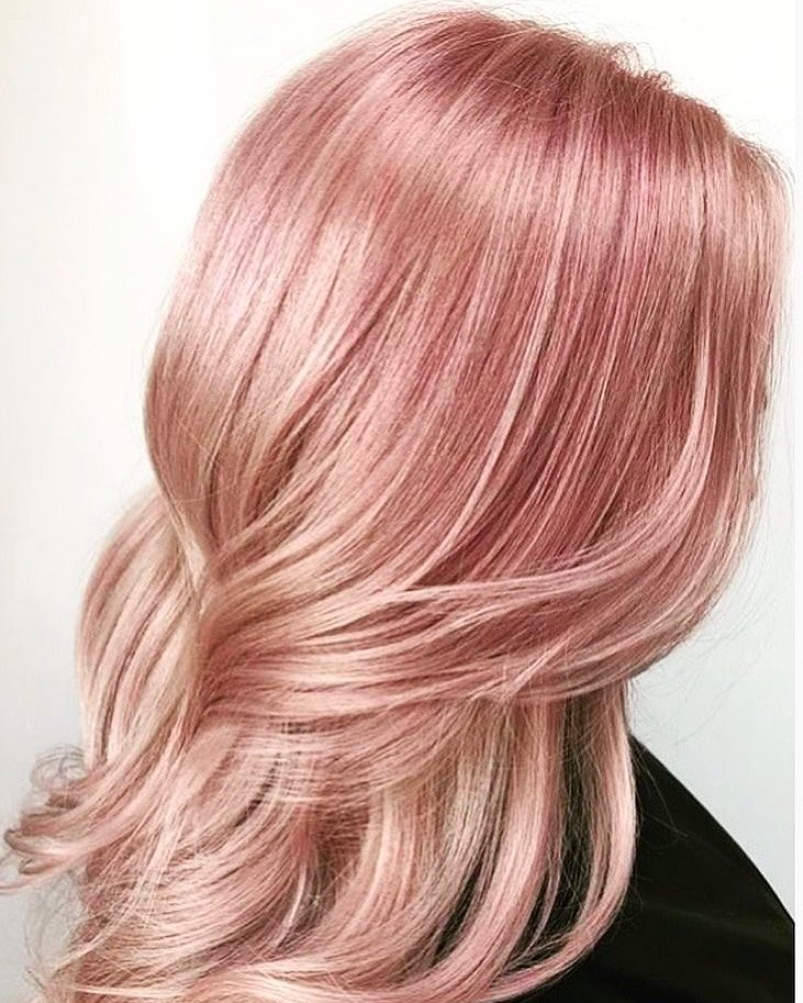 Pink strawberry hårfärg