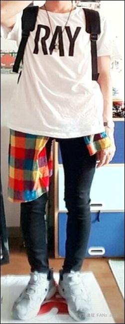 """Tシャツ 半袖 パーカー パンツ 重ね着 ロングTシャツ カーディガン 黒色 アイテム 全国ツアー ツアーグッズ 藤くん リスバン ラババン ーンズ ズボン パンツ ボディバッグ ボディバック パーカー ハーフパンツ ガウチョパンツ ロングスカート バンドTシャツ バンT バンパー BUMPer BUMP OF CHICKEN BOC BUMP バンプ バンプオブチキン [Alexandros] アレキサンドロス [ALEXANDROS] ドロス アレキ ライブキッズ 野外 フェス スタイル 半袖 デザイン かわいい ちゃんMARI Tシャツ コポゥ グッズ アイテム パーカー スカート トレーナー タオル 首 タイツ スキニー ズボン パンツ スニーカー ボディバッグ ラババン ラバーバンド トートバッグ グッズ アイテム バンT バンドTシャツ ハーパン ハーフパンツ 川谷絵音 えのんくん えのんさん コスプレ ジーンズ リーヴァイス ファン コーデ 服装 ガウチョパンツ 川谷絵音 クレーム マナー 配慮 公式ツイッター アカウント 苦言 ゲス極 ゲスの極み乙女。 川谷絵音 休日課長 ちゃんMARI ほないこか さとうほなみ セカオワ SEKAI NO OWARI End of the World ENDer セカオ輪 ファン 質問 相談 問い合せ フォーム ボタン ワンオク ONE OK ROCK ディッキーズ チーム ディッキーズ族 危険 リスク 物販 アイテム ステージ 照明 ギャグ 秋元真夏 乃木坂46 ハーフパンツ タオル 完売 売り切れ グッズ オフィシャル 演奏 ライヴ ジーンズ Tシャツ ステージ セット 楽器 終演後 会場内 景色 危険 危ない 中央 前方 セキュリティ スタッフ フロア 開演前 混雑 盛り上がり 撮影 ファン 読者 質問 相談 ヤバいTシャツ屋さん ヤバT ロックバンド ファン BKW勢 まとめ 説明 紹介 お願い マナー 禁止 ルール メンバー 煽り サークルモッシュ リフト ダイブ モッシュ サークル アクセサリー アクセ ネックレス 長い キャップ 帽子 コール かけ声 フリ 振りつけ 振り付け ダイブ モッシュ サークル サークルモッシュ 危険 持ち物 手荷物 荷物 立ち位置 場所 中央 前方 横 わき 壁際 後方 公式 オフィシャル 商品 スキニー パンツ タイツ 半袖 バンT 長袖 ロンT ガウチョパンツ ハーフパンツ ハーパン トレーナー ジャンパー 半袖 フェス Tシャツ タオル BKW 番狂わせ ファン グッズ アイテム オーラル オーラルシガレッツ THE ORAL CIGARETTES ジオーラルシガレッツ Crossfaith クロスフェイス CF HEY-SMITH ヘイスミス ヘイスミ 読者 問い合せ 質問 相談 フォーム ボタン"""" alt=""""HEY-SMITH ヘイスミス ヘイスミ 読者 問い合せ 質問 相談 フォーム ボタン SiM シム レゲエパンクロックバンド 写真 動画 撮影 許可 貼り紙 告知 アナウンス 情報 アクセ アクセサリー メガネ 眼鏡 ネイル 爪 特定 曲 コール かけ声 フリ 振りつけ 振り付け 習慣 初心者 女性 ポジション 場所 位置 レギンス タイツ 長袖 Tシャツ スニーカー 靴下 ハーフパンツ ハーパン ジーンズ ジャケット グッズ トレーナー ファン 服装 例 サンプル 意見 発表 Masato マサト 早川雅人 Masato David Hayakawa 撮影 画像 写真 録音 録画 コールドスプレー 冷却 効果 アイシング coldrain コルレ ルナフェス 2015年 爪 ネイル 長さ 注意 写真 画像 動画 撮影 録音 録画 声援 叫び声 絶叫 シンガロング 合唱 コール かけ声 フリ 振りつけ 定番 固定 バンT バンドTシャツ グッズ アイテム 04LS フォーリミ フォーリミテッドサザビーズ 04 Limited Sazabys 読者 問い合せ 質問 相談 フォーム ボタン 10-FEET 10FEET テンフィート クレーム 大炎上 危険性 リスク 可能性 声援 送る 合唱 シンガロング メンバー 名前 呼ぶ 叫ぶ マナー ハーフパンツ ボディバッグ トレーナー ジーンズ グッズ タオル ワニマ WANIMA ファン パーカー 服装 格好 サンプル 例 ディッキーズ Dickies ハーフパンツ ハーパン WANIMA ワニマ ファン 服装 格好 お問い合せ フォーム ボタン MUCC ムック ムッカー 夢烏 MWAM マンウィズアミッション マンウィズ ガウラー ファン ライヴ ライブ コンサート 問い"""