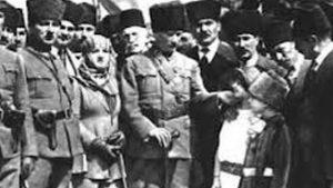 Atatürk'ün Mersin ziyaretinden bu fotoğraf.