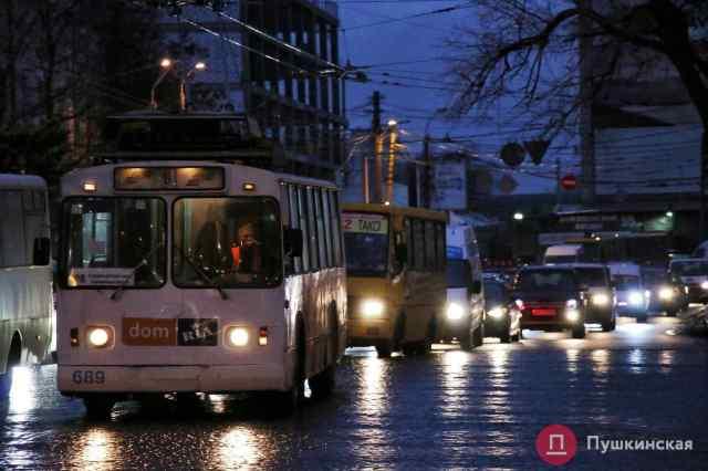 Водителю троллейбуса, который избил одессита, грозит 850 грн штрафа